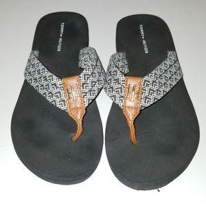 Shoes - Tommy Hilfiger sz 6 M women's Flip Flops